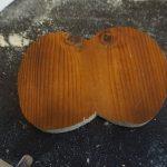 Holzaugen mit Stichsäge ausgeschnitten